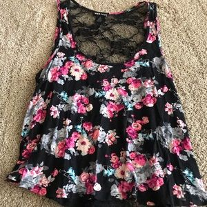 Cute floral tank with lacy back